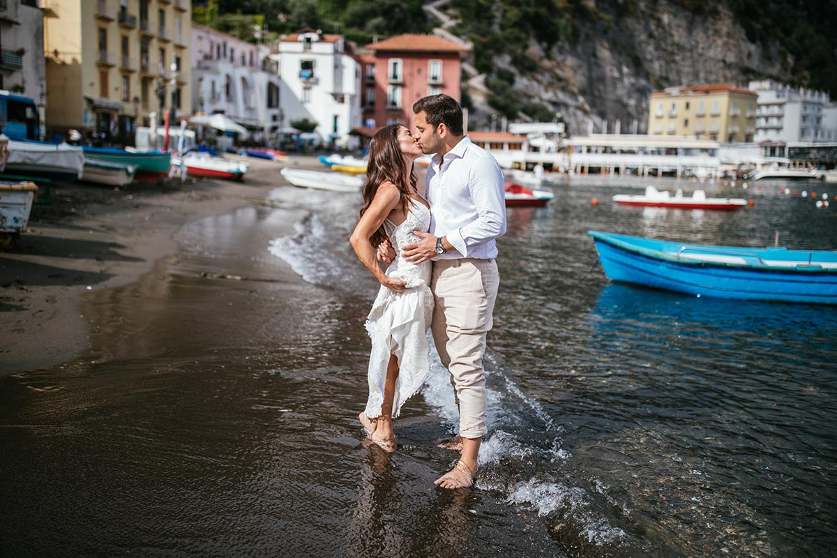 Honeymoon-with-wedding-dress-in-Sorrento