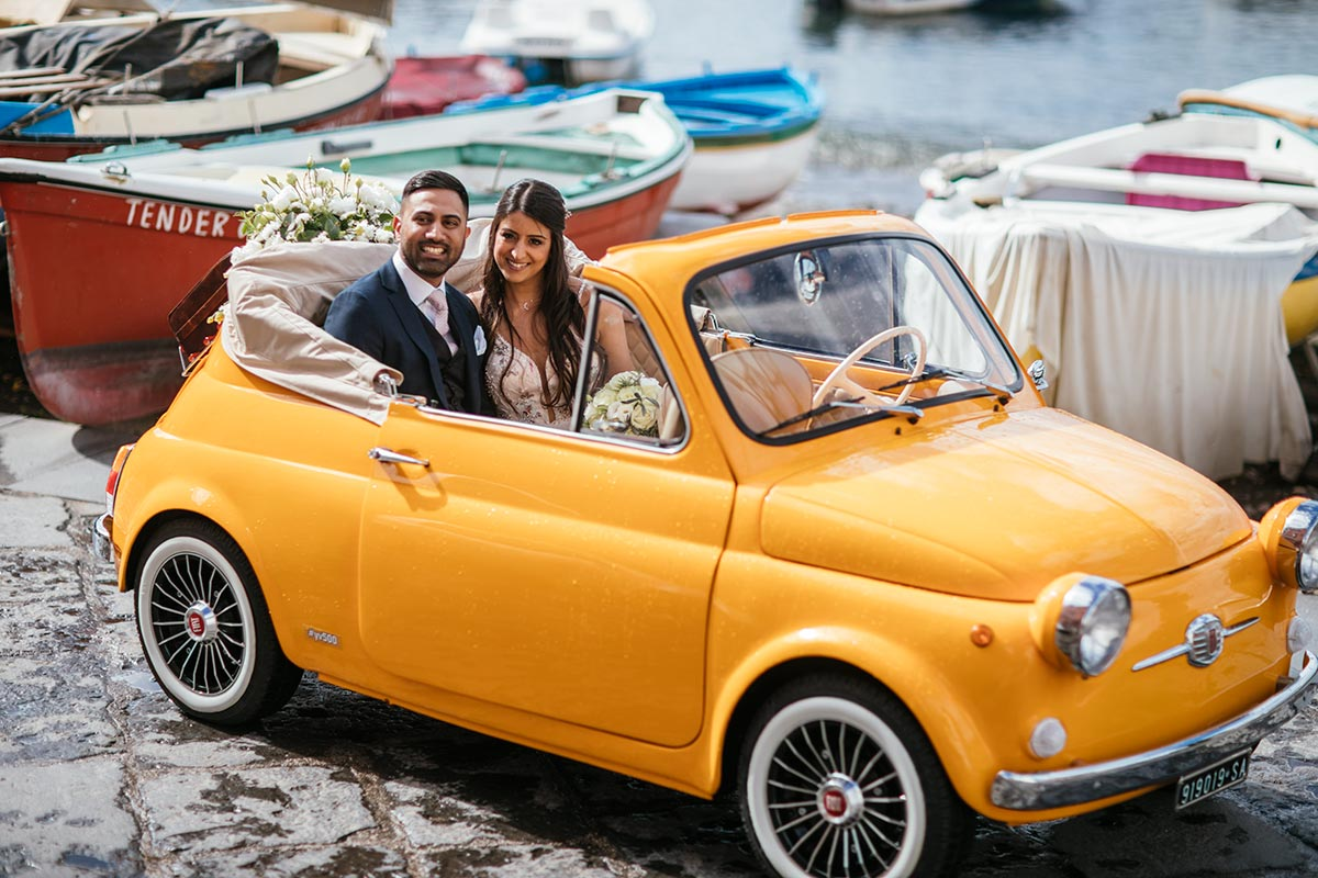 Wedding-with-yellow-fiat-500-Sach-Sym