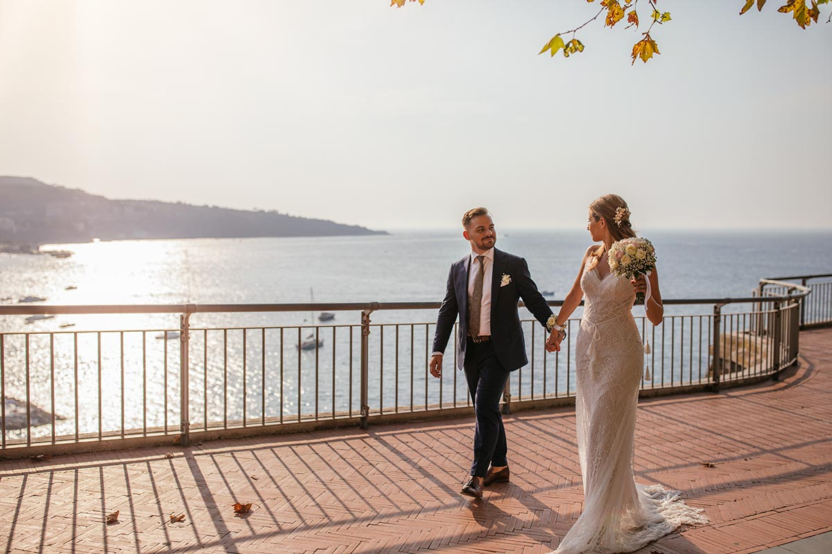 How-to-photograph-a-wedding-with-a-face-mask